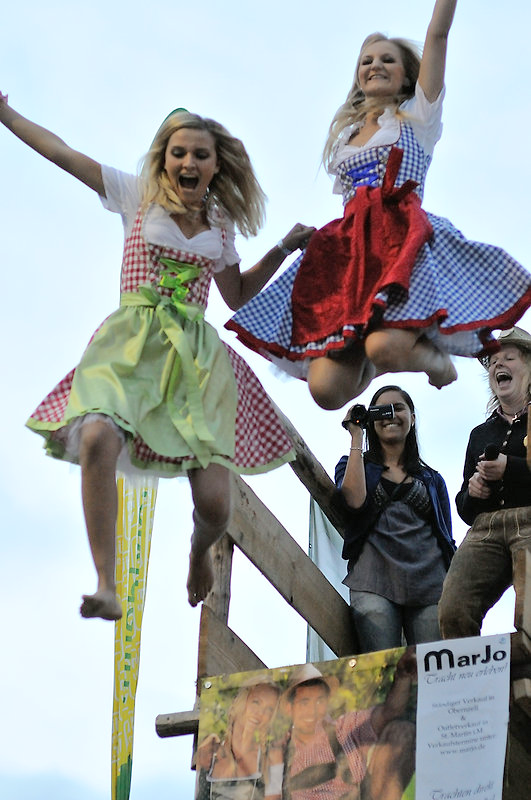 flying-dirndl-2012