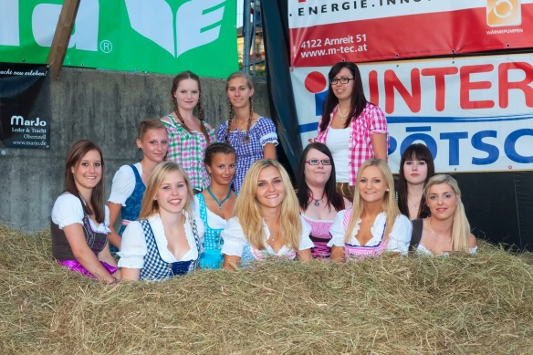 Flying_Dirndl_Nebelberg_2014 (1)