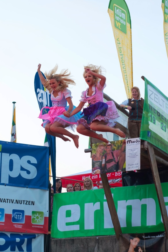 Flying_Dirndl_Nebelberg_2014 (6)